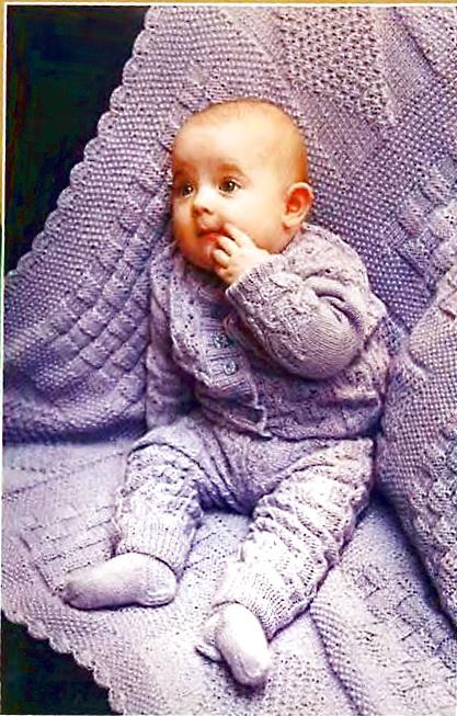 Следует отметить, что вязать для малышей стоит из чистого хлопка, шелка или вискозы.  Можно использовать так же и...