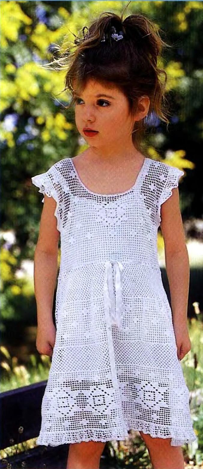 Белое платье для девочки.