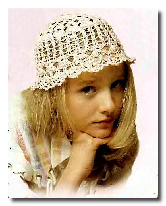 Вязаная шляпка для девочки.