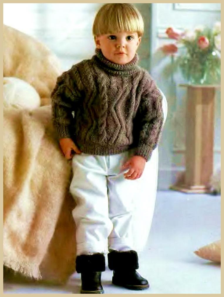 Теплый и пушистый свитер для